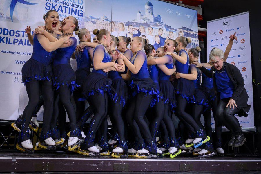 Helsinki Rockettes juhlii Suomen mestaruutta Turussa. Kuvaaja Elina Paasonen