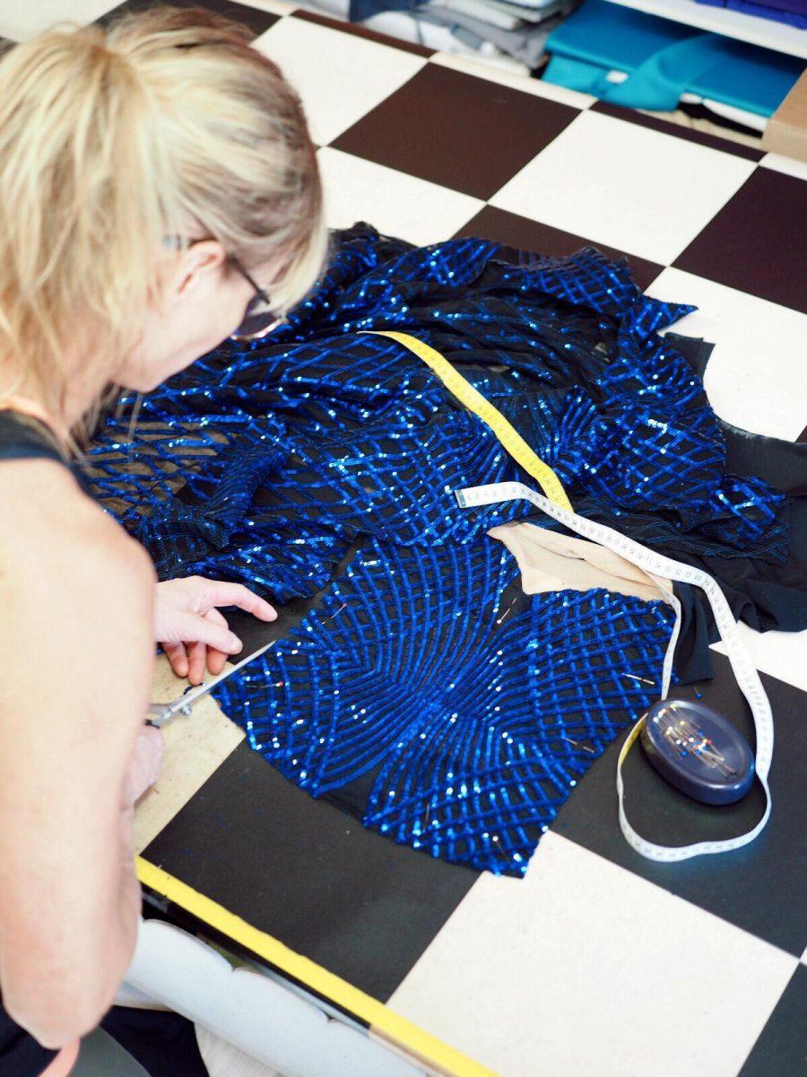 Titta Kettusen suuritöisin kilpailupuku tehtiin 60 kangaspalasta.