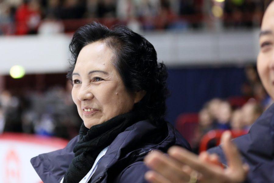 Ice Pearlin valmentaja Xi Hongyan seurasi joukkueensa suoritusta ylpeänä.