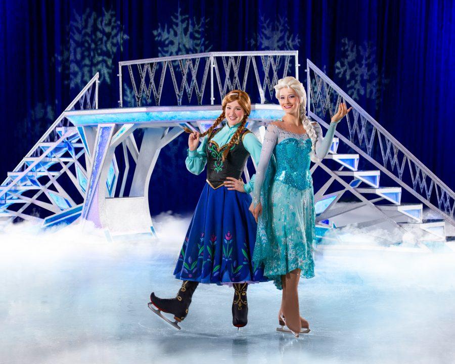 Wilma Lehtinen Vilma esittää Frozenin Elsaa. Kuva Disney on Ice