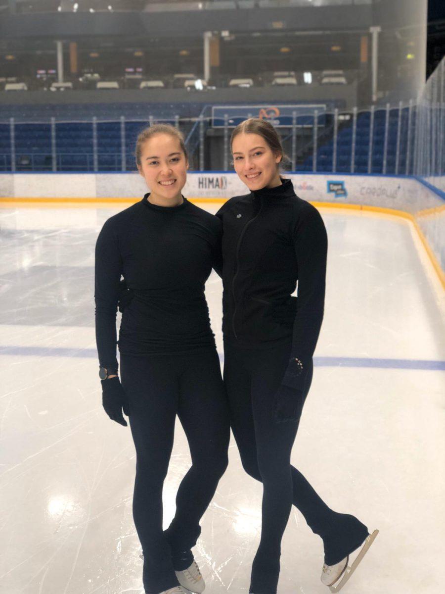 Kapteenit Emi Iizuka ja Antonia Arrakoski pitävät Lumineersin meneillään olevaa kautta joukkuehengeltään tiiviinä. Yhteishenki on hyvä ja ilmapiiri avoin.