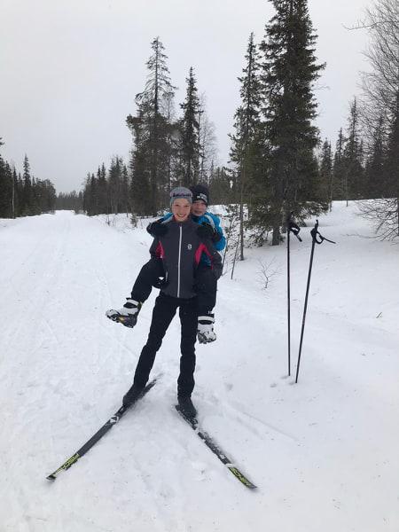 Silja ja Heikki Lauri ovat viihtyneet laduilla poikkeusaikana.