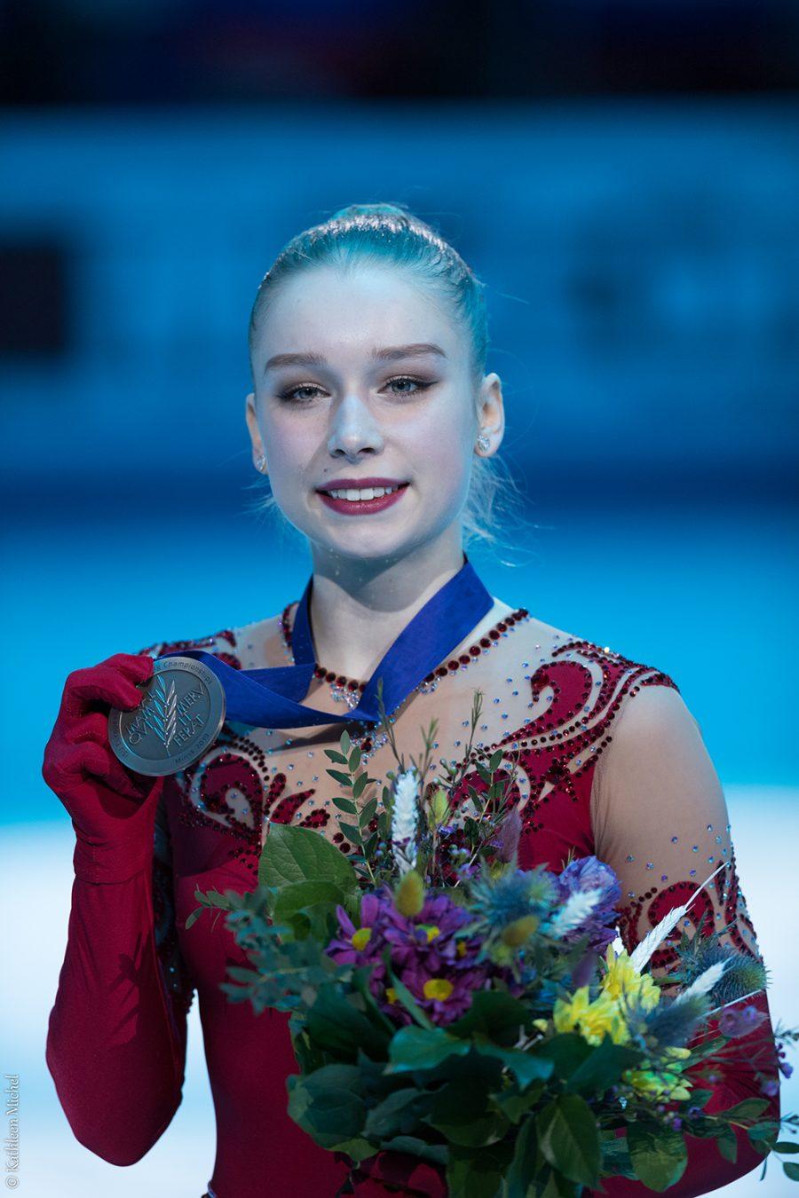Viveca Lindfors saavutti taitoluistelun EM-pronssia Minskissä, jossa hän luisteli omat ennätyspisteensä 194,40.