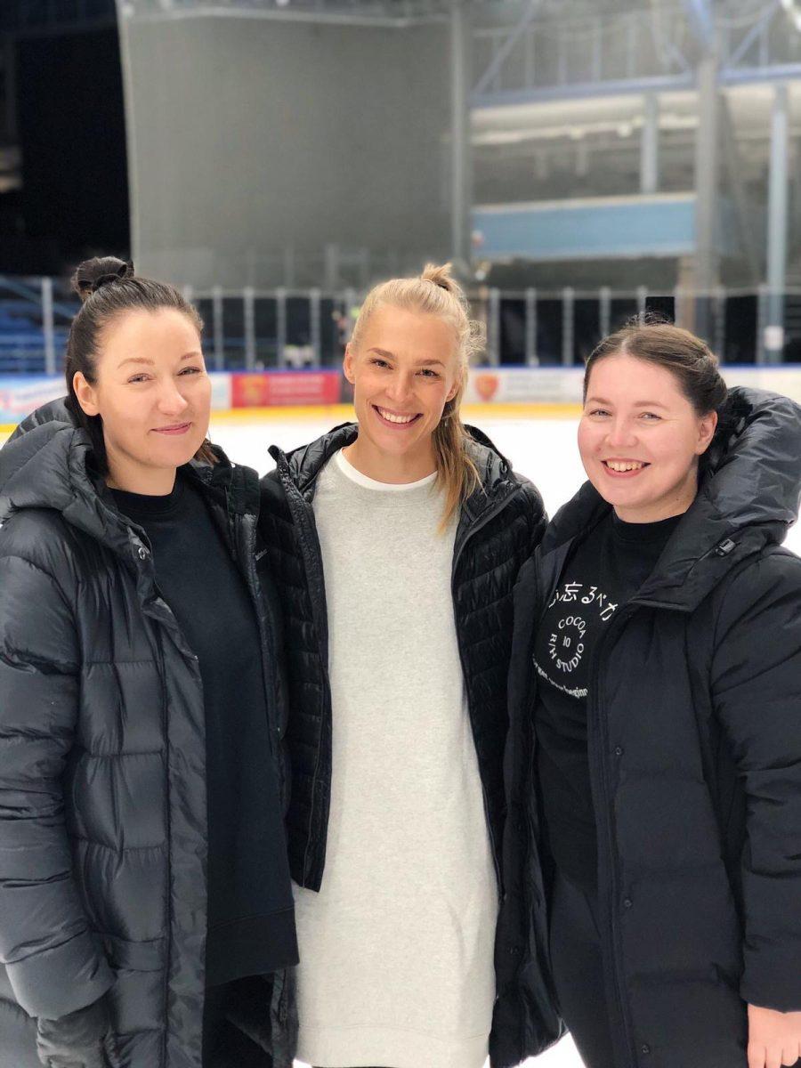 Lumineers valmentajat Liisa Lakela (vas.) Maikki Merilehto ja Henriikka Latva Kuva Katja Pöntiö
