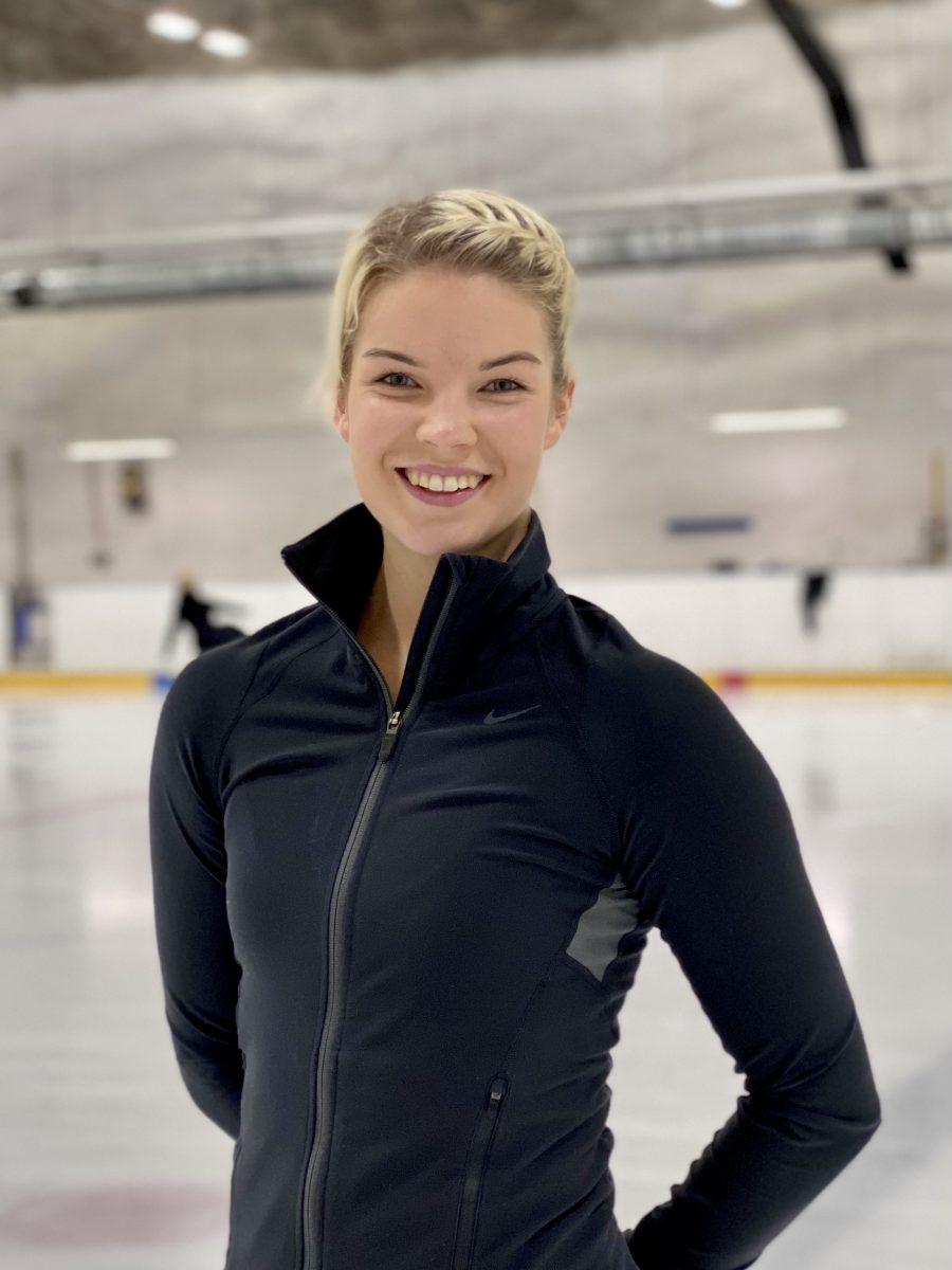 Siiri Turunen on Universettes joukkueen valmentaja.
