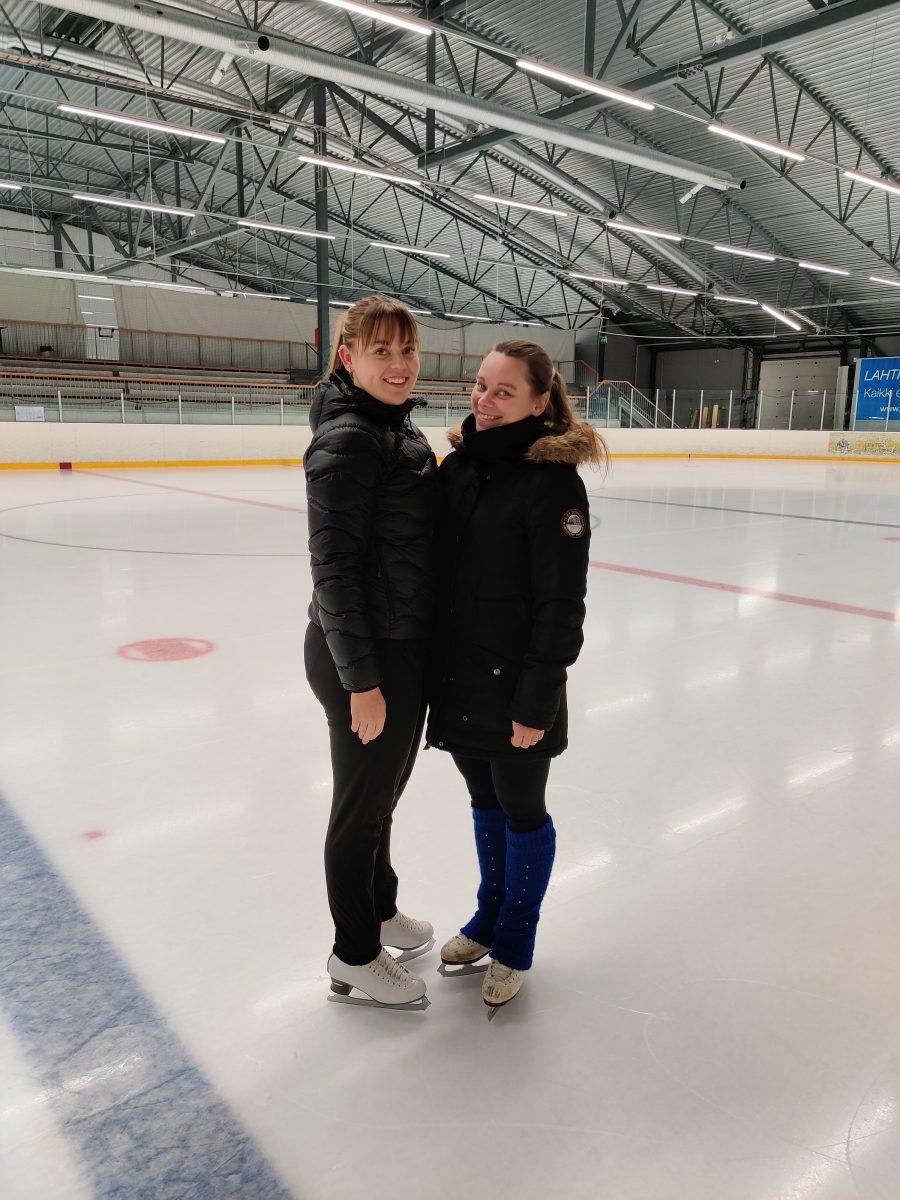 Team La Lunaa joukkuetta valmentavat Netta Tuominen ja Annika Aaltonen.