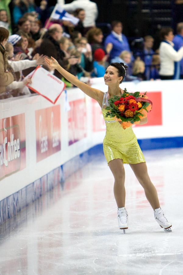 Susanna Pöykiö sai kaulaansa pronssimitalin Helsingin EM-kilpailuissa 2009. Kuva Sari Niskanen