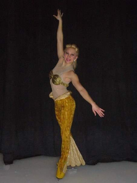 Evelina Lorek työskenteli Disney on Ice -kiertueella 2004–2007.