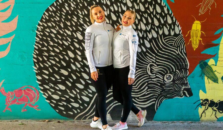 Helsinkin Rockettesia luotsaavat kaudella 2021–2022 kapteenit Nona Vihma (C) ja Petra Viitanen (AC).