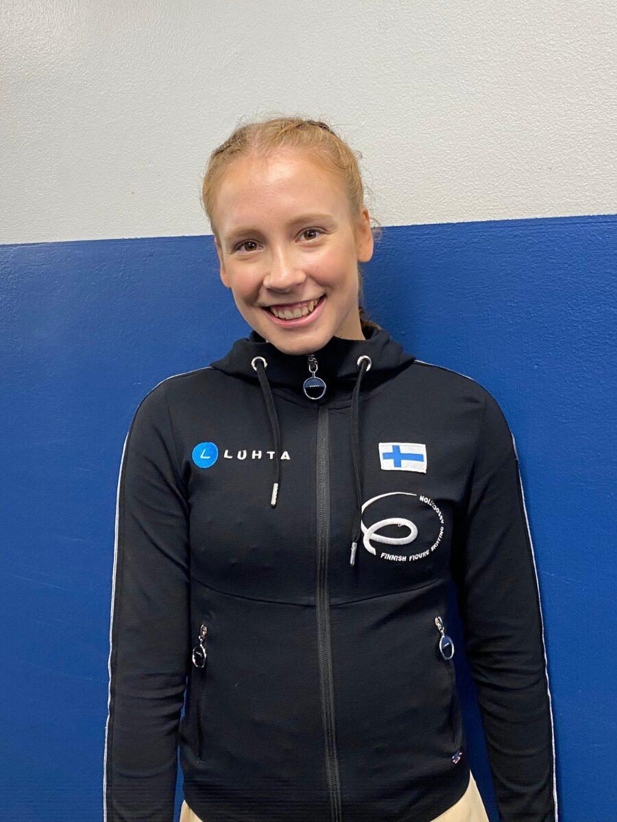 Lappeenrannasta kotoisin, nyt Helsingissä asuvaa Laura Karhusta valmentaa Virpi Horttana.