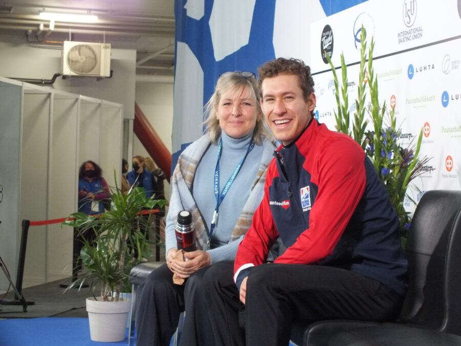 Jason Brown hurmasi Finlandia Trophy Espoon yleisön ja vei miesten kilpailun voiton.